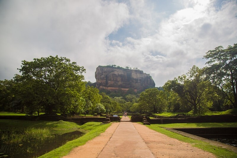Ancient cities, wild encounters and tropical beaches of Sri Lanka